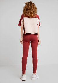 adidas Originals - TIGHTS - Leggings - Trousers - mystery red/white - 2