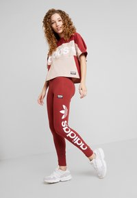 adidas Originals - TIGHTS - Leggings - Trousers - mystery red/white - 1
