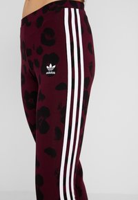 adidas Originals - BELLISTA ALLOVER PRINT TIGHT - Leggings - Trousers - maroon black - 4