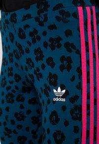 adidas Originals - BELLISTA ALLOVER PRINT TIGHT - Legginsy - tech mineral/black - 4
