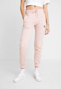 adidas Originals - CUF PANT - Pantalon de survêtement - pink spirit - 0