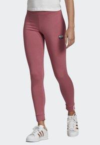 adidas Originals - LEGGINGS - Leggings - pink - 0