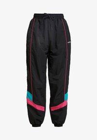 adidas Originals - TECH PANT CUFFED - Träningsbyxor - black - 4