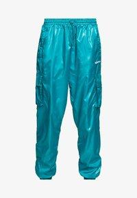 adidas Originals - SHINY WINDWEAR PANT - Träningsbyxor - blast emerald - 3