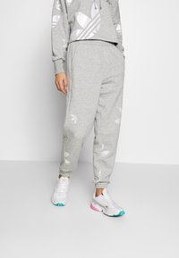 adidas Originals - LARGE LOGO PANT - Tracksuit bottoms - mgreyh/white - 0