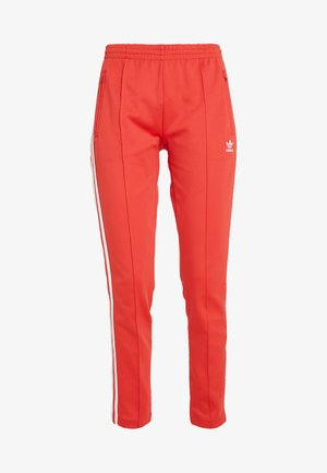 SUPERSTAR SUPER GIRL ADICOLOR TRACK PANTS - Pantalon de survêtement - lush red/white