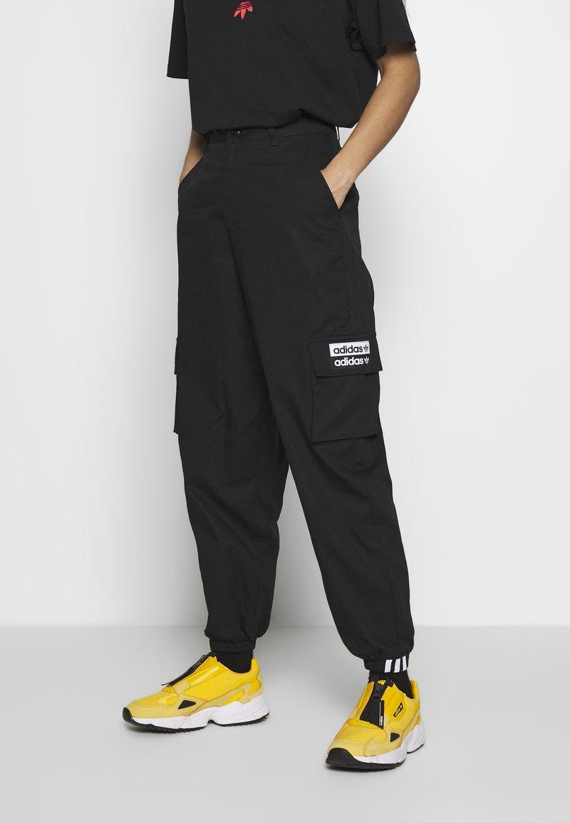 adidas Originals - TRACK PANT - Träningsbyxor - black