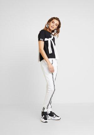 CUFF PANT - Teplákové kalhoty - white