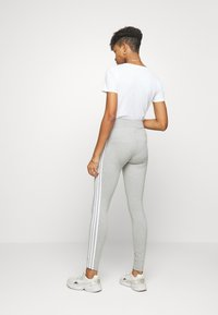 adidas Originals - 3 STRIPES TIGHT - Leggings - medium grey heather/white - 0
