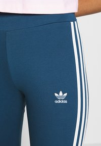 adidas Originals - TIGHT - Legging - night marine/white - 4