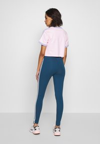 adidas Originals - TIGHT - Legíny - night marine/white - 2