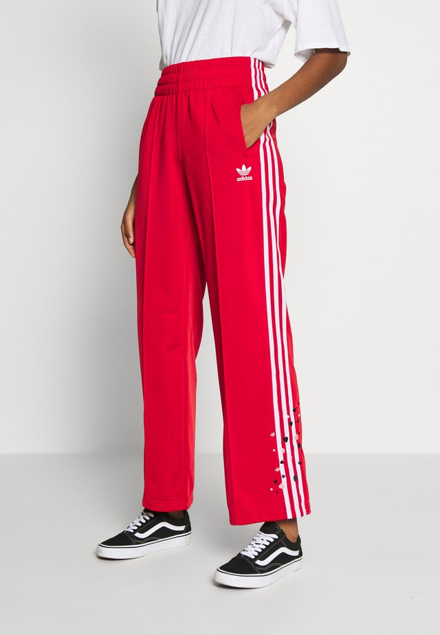 3STRIPES HIGH WAIST TRACK PANTS - Trainingsbroek - scarlet