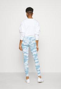 adidas Originals - TIGHTS - Legíny - sky tint/shade blue/easy blue - 2