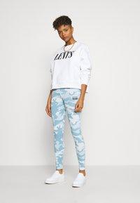 adidas Originals - TIGHTS - Legíny - sky tint/shade blue/easy blue - 1