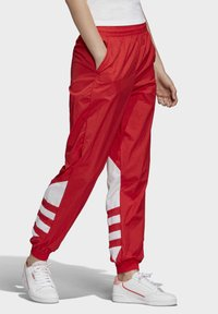 adidas Originals - BIG LOGO TRACKSUIT BOTTOMS - Träningsbyxor - red - 3