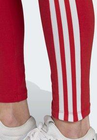 adidas Originals - TREFOIL LEGGINGS - Leggings - Trousers - red - 5