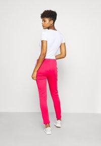 adidas Originals - PANTS - Joggebukse - power pink/white - 2