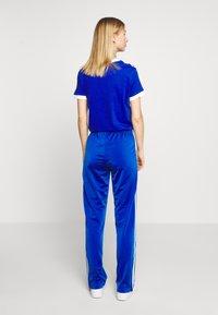 adidas Originals - FIREBIRD - Joggebukse - team royal blue - 2