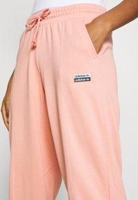 adidas Originals - REGULAR JOGGER - Spodnie treningowe - trace pink - 3