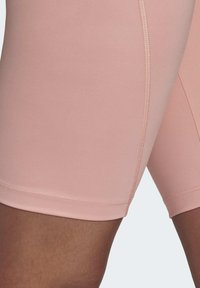 adidas Originals - R.Y.V. SHORT TIGHTS - Shorts - pink