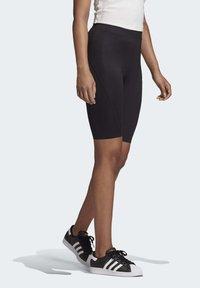 adidas Originals - R.Y.V. SHORT TIGHTS - Shorts - black - 2