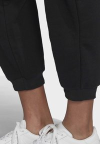 adidas Originals - TREFOIL ESSENTIALS CUFFED JOGGERS - Trainingsbroek - black - 5