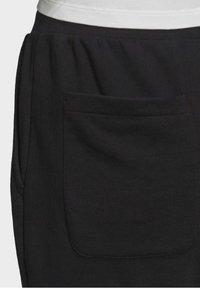 adidas Originals - TREFOIL ESSENTIALS CUFFED JOGGERS - Trainingsbroek - black - 6