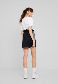 adidas Originals - BELLISTA 3 STRIPES SKIRT - Minirock - black - 2