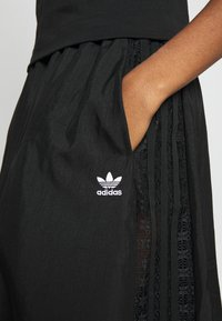 adidas Originals - SKIRT - Spódnica trapezowa - black - 4