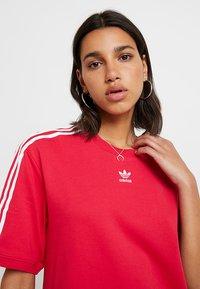adidas Originals - TEE DRESS - Freizeitkleid - energy pink - 4