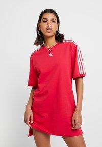 adidas Originals - TEE DRESS - Freizeitkleid - energy pink - 0