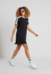 adidas Originals - DRESS - Jerseykjole - black - 1