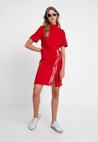 adidas Originals - DANIELLE CATHARI DRESS - Kjole - scarlet - 1