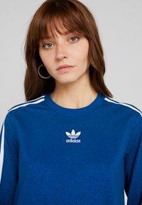 adidas Originals - BELLISTA 3 STRIPES T-SHIRT DRESS - Blusenkleid - tech mineral - 4
