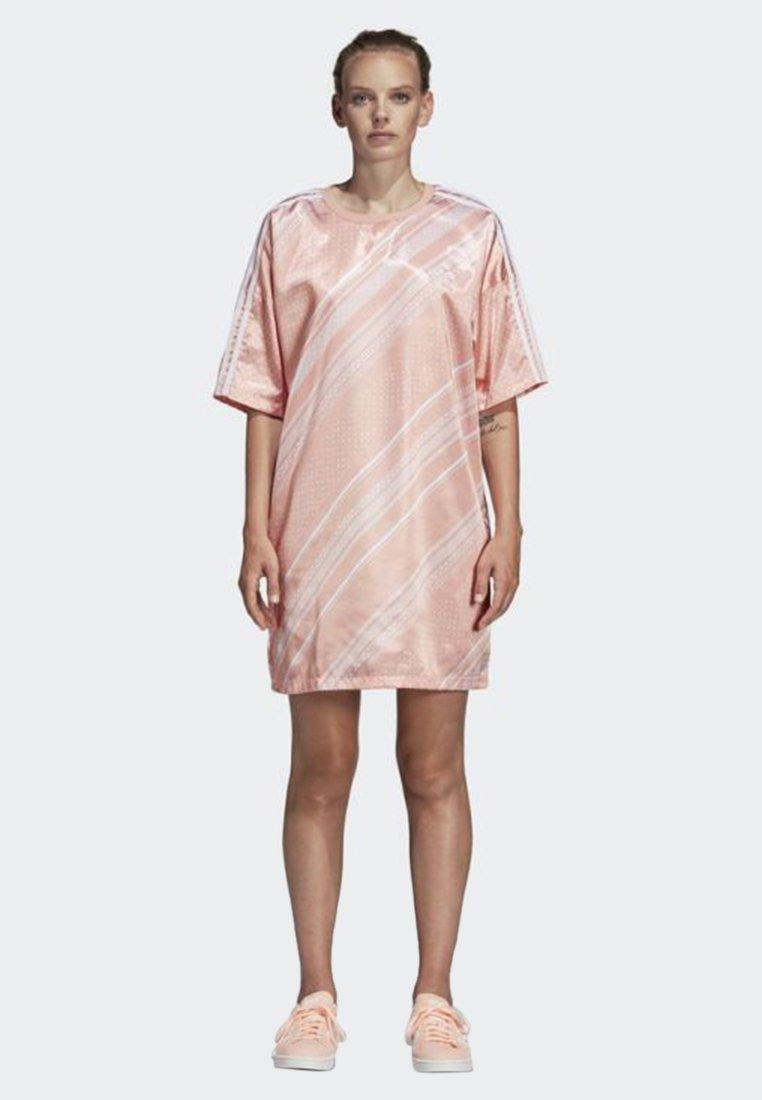 adidas Originals - TREFOIL DRESS - Freizeitkleid - pink