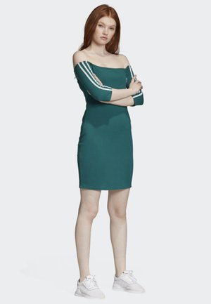 OFF-THE-SHOULDER DRESS - Jersey dress - green