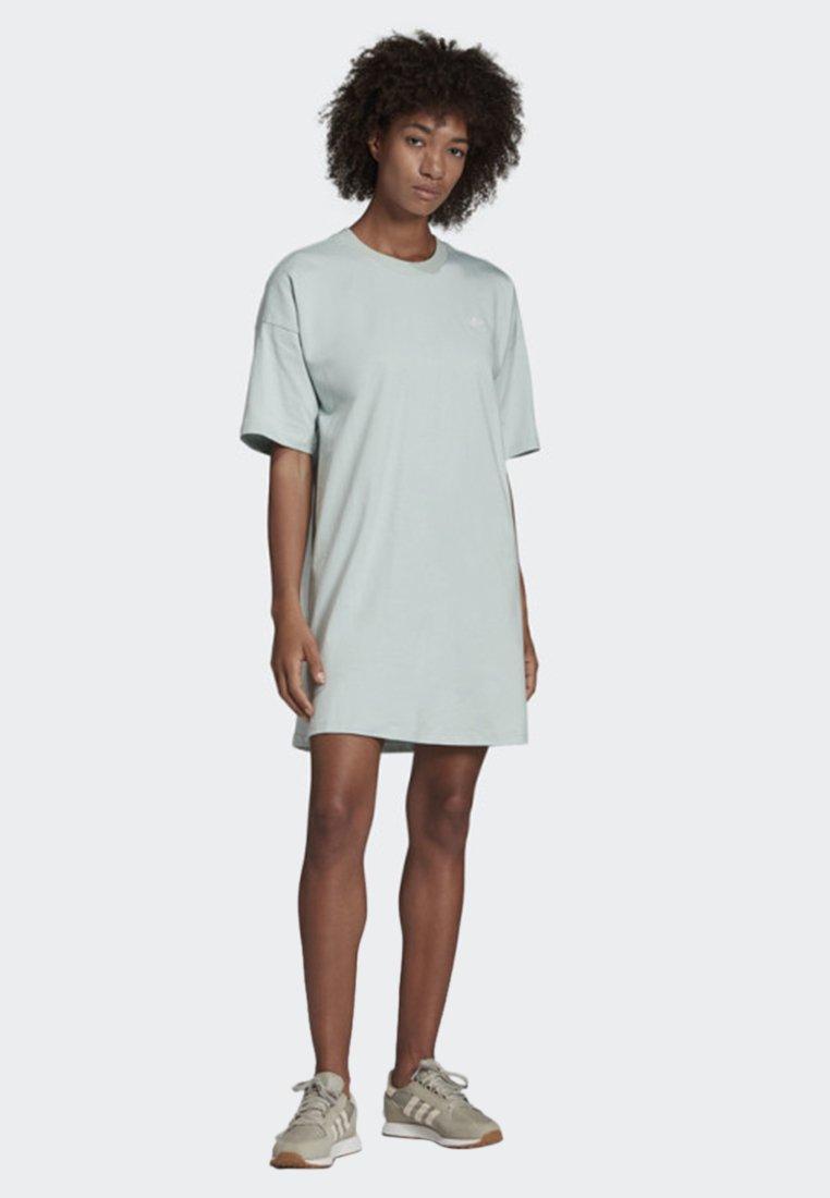 adidas Originals - TREFOIL DRESS - Jerseyklänning - green