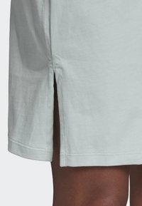 adidas Originals - TREFOIL DRESS - Vestito di maglina - green - 5