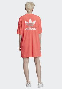 adidas Originals - TREFOIL DRESS - Jerseykleid - orange - 2