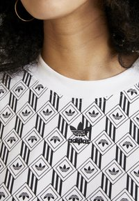 adidas Originals - TEE DRESS - Jerseykleid - white/black - 5