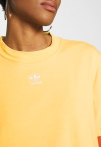 adidas Originals - ADICOLOR TREFOIL DRESS - Jersey dress - core yellow/white - 5