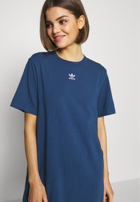 adidas Originals - ADICOLOR TREFOIL DRESS - Jersey dress - night marine - 4