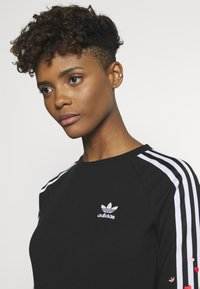 adidas Originals - 3STRIPES 3/4 SLEEVE DRESS - Jersey dress - black - 3