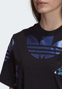 adidas Originals - LARGE LOGO TEE DRESS - Trikoomekko - black - 5