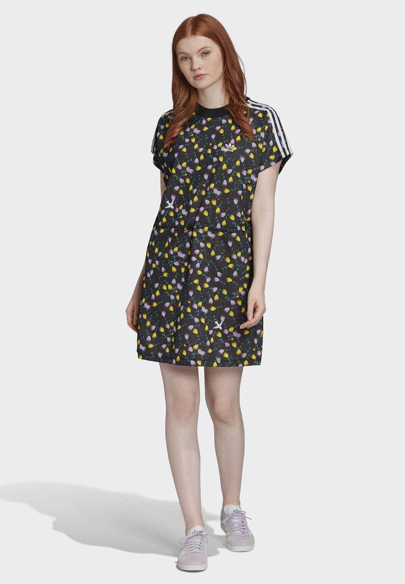 adidas Originals - ALLOVER PRINT TEE DRESS - Jersey dress - multicolour