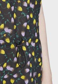 adidas Originals - ALLOVER PRINT TEE DRESS - Jersey dress - multicolour - 4