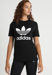 adidas Originals - ADICOLOR TREFOIL GRAPHIC TEE - T-shirt z nadrukiem - black - 0