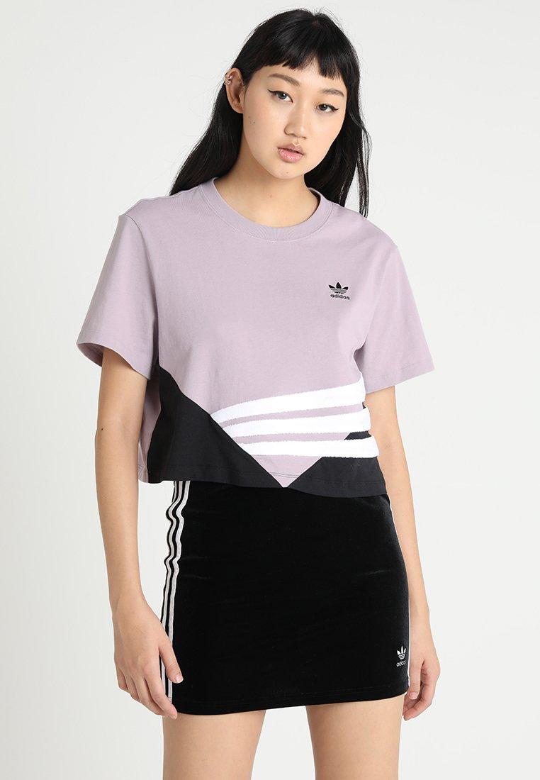 adidas Originals - CROP TEE - Camiseta estampada - soft vision/black