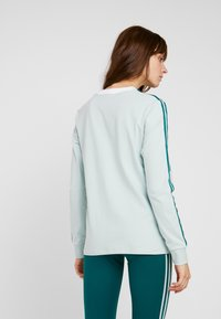 adidas Originals - ADICOLOR 3 STRIPES LONGSLEEVE TEE - Long sleeved top - vapour green - 2