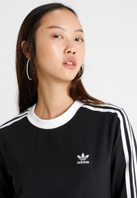 adidas Originals - ADICOLOR 3 STRIPES LONGSLEEVE TEE - Langarmshirt - black - 3